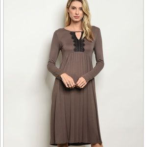 Dresses & Skirts - ⭐️Beautiful Boutique Mocha Dress⭐️